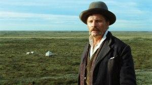Den danske kapteinen Gunnar Dinesen (Viggo Mortensen) i Lisandro Alonsos «Jauja» (2014). Foto: Filmweb.